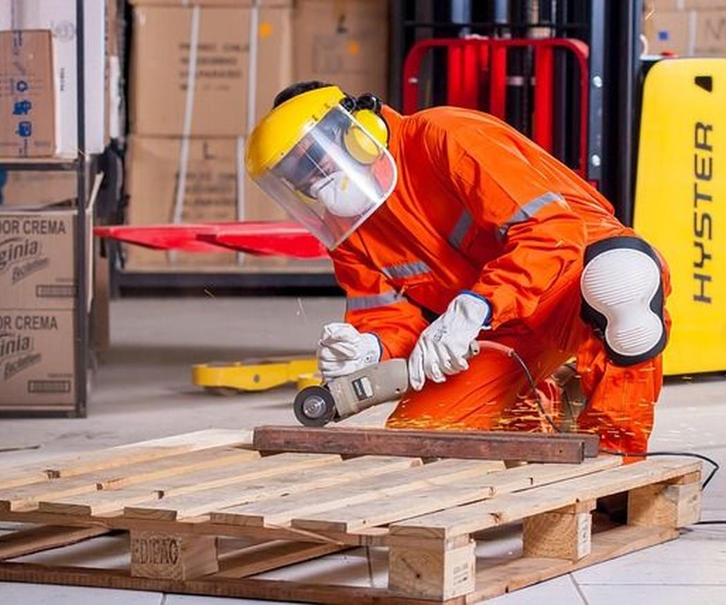 Vestimenta práctica para el trabajo: imagen de marca y seguridad