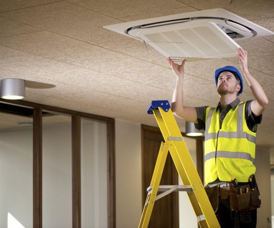 La limpieza de los filtros del aparato de aire acondicionado
