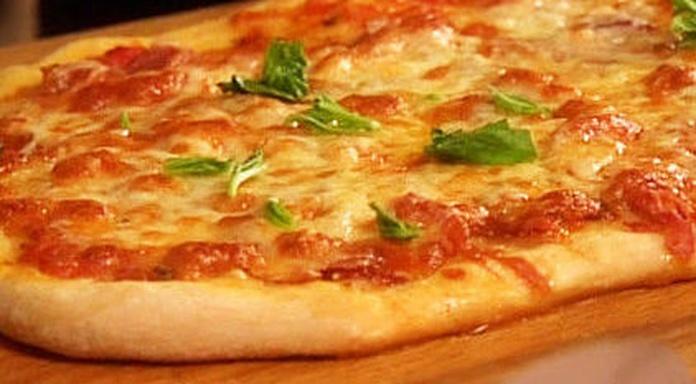 Pizza Prosciutto: CARTA EL SEVILLANO de Restaurante Sevillano