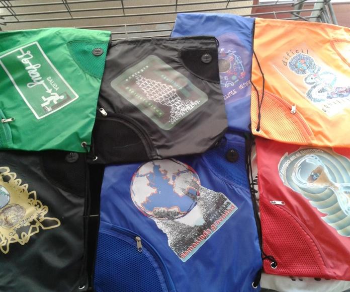 Transfer digital recortado profesional en mochilas
