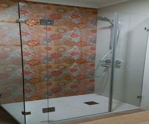 Mamparas de ducha en Ciudad Lineal, Madrid | Cristalería Suárez Álvarez, S.L.