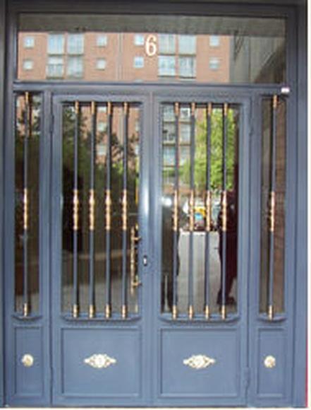 Puertas: Productos  de Talleres Calvo y Bogaz, S.L.U.