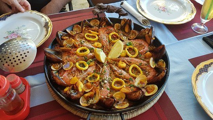 Rices and paellas: Our dishes de Cheers Salud Na Zdorovie