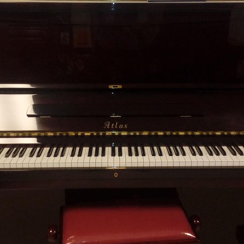 PIANOS ATLAS A55 M: Catálogo de L'Art Guinardó