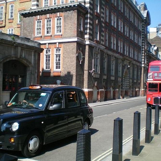 ¿Por qué es tan difícil sacarse la licencia de taxi en Londres?