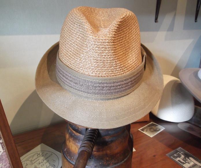 Sombrero algodón bicolor. Muy fresco y flexible.