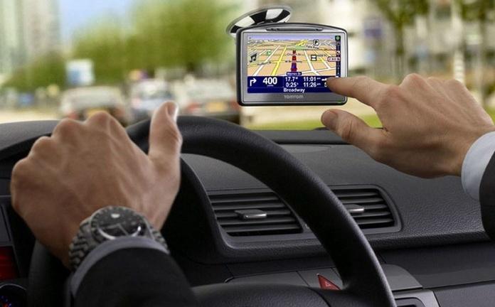 10 malos hábitos que cometemos al volante