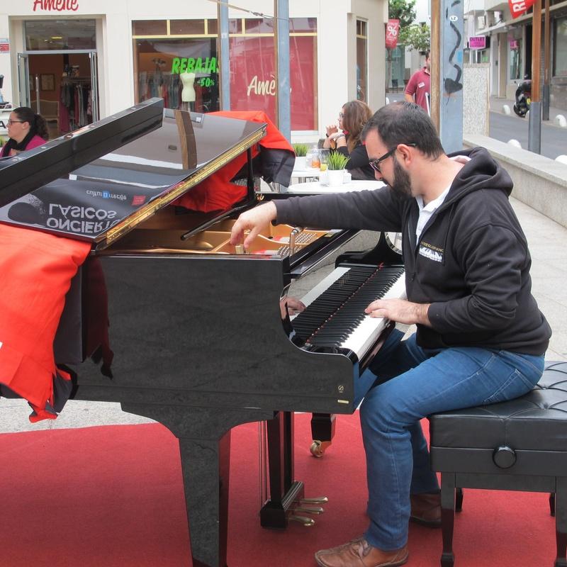 AFINACION DE PIANO AL AIRE LIBRE