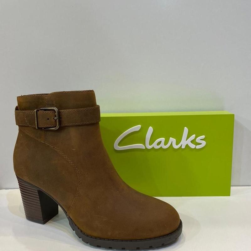 Botí de dona, de la marca Clarks: Catálogo de Calçats Llinàs