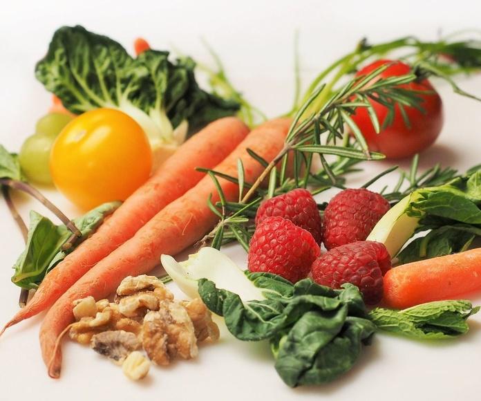 Zanahorias, fresas, nueces... alimentos que te cuidan y ayudan a tu bronceado