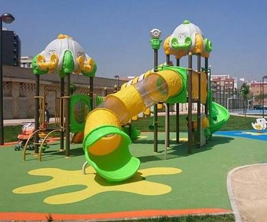 Instalación de suelos para parques infantiles