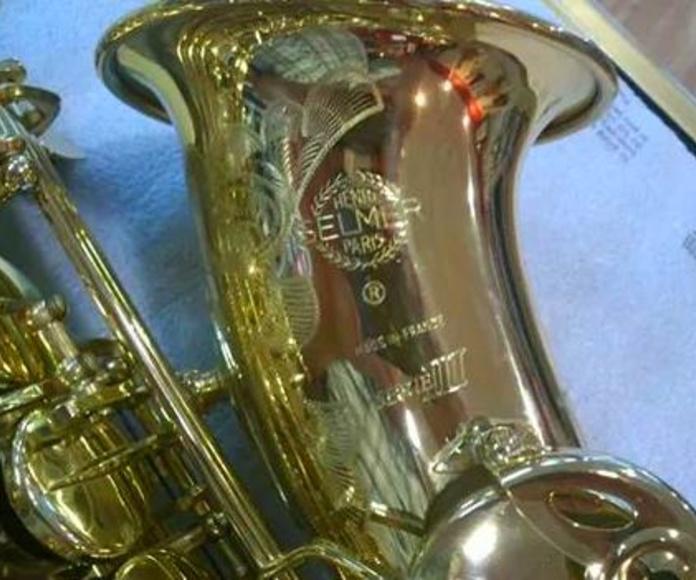 Saxofón alto SELMER Superaction Serie III: CATÁLOGO de Musical Sur