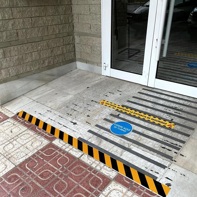 Rotulación Distancia de seguridad, Alicante, Flama Levante.