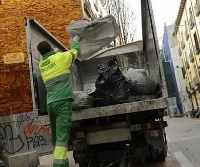 Madrid reordenará las calles que son principales y secundarias en los contratos de limpieza