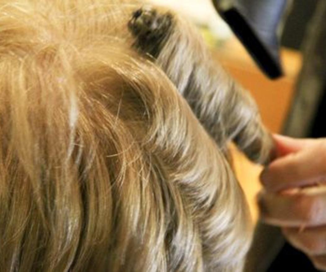 El cabello teñido de rubio y sus cuidados