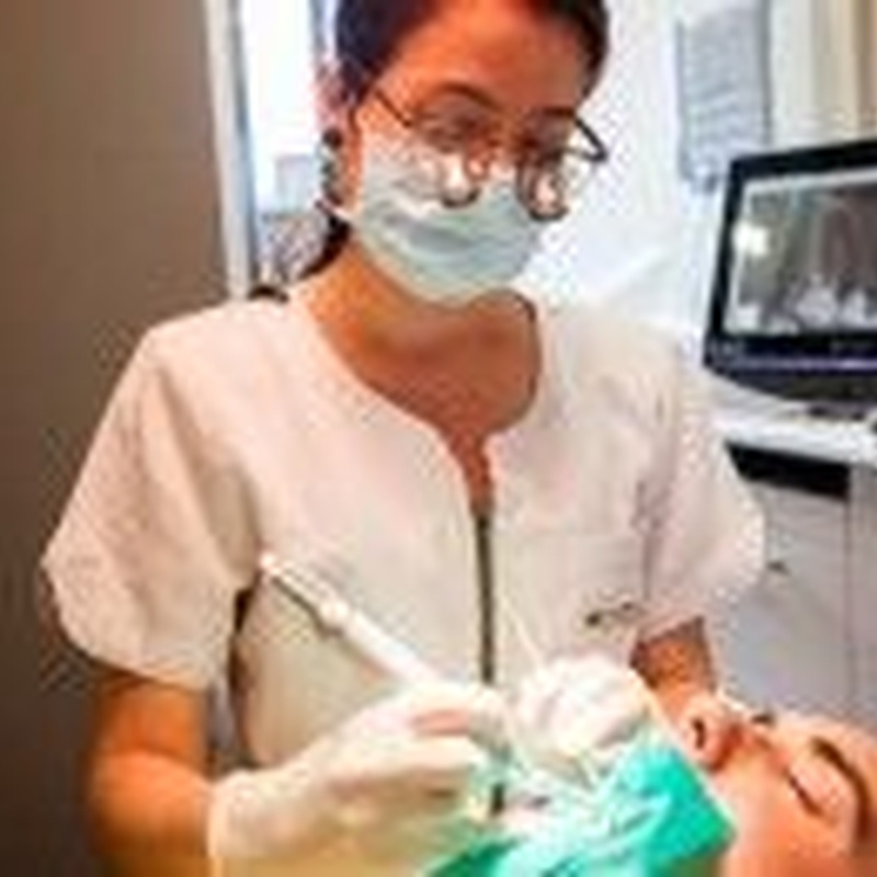 PERIODONCIA: Tratamientos de Clínica dental tres D