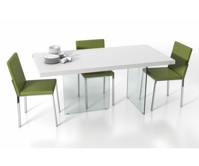 Mesas y sillas: Productos y Servicios de Cocinas y Electrodomésticos J. A. Martín