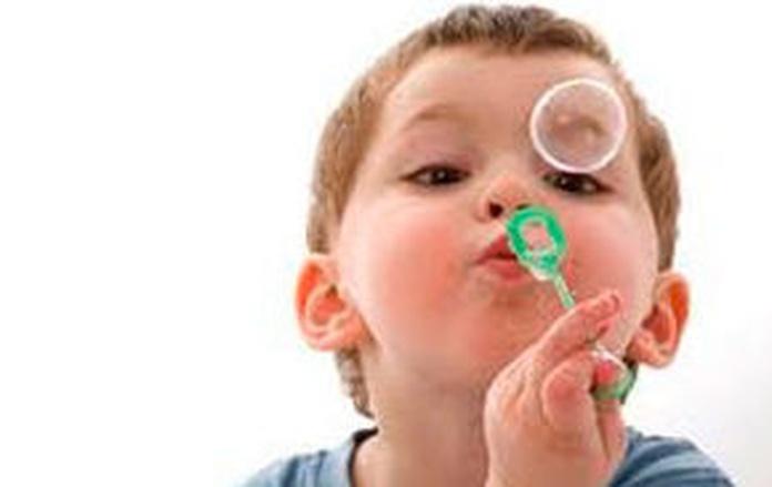 Motricidad del lenguaje. Jugar con los órganos que intervienen en el habla.