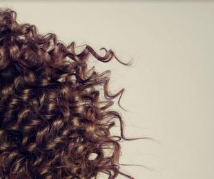 Perruques de cabell natural o sintètic