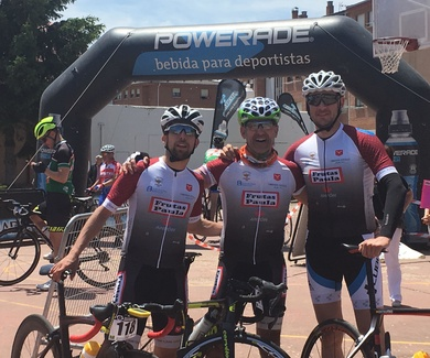 FRUTAS PAULA   En vuelta ciclista máster de Valladolid