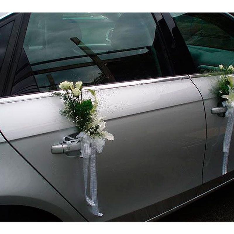 Decoración para coches de boda: Productos de FLORISTERÍA CASA BASUSTA