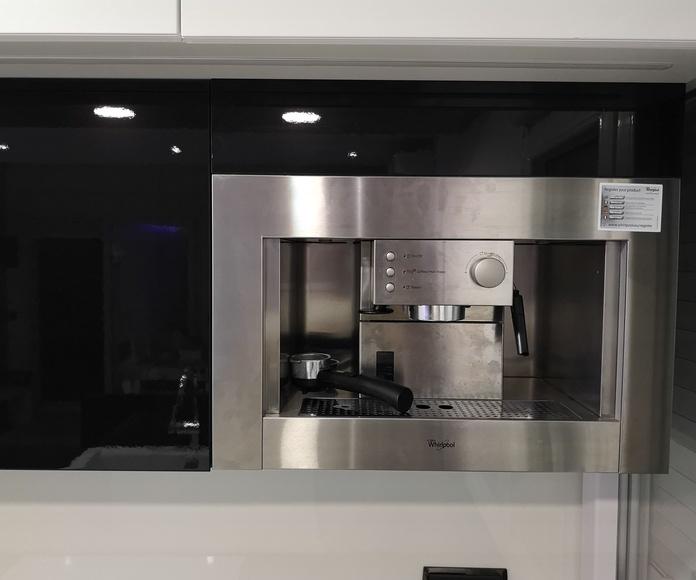 MUEBLES DE COCINA - PROYECTO REALIZADO LA MANGA: PROYECTOS REALIZADOS de Diseño Cocinas MC