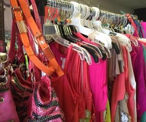Venta de ropa de segunda mano en Cantabria