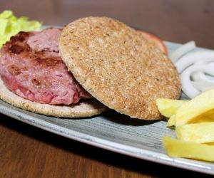 Carne de potro para nuestras hamburguesas con patatas