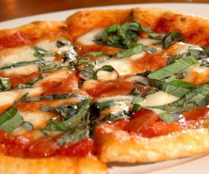Pizza Margarita: CARTA EL SEVILLANO de Restaurante Sevillano