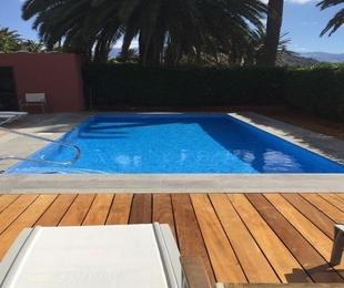 Las razones por las que los turistas prefieren apartamentos y hoteles con piscinas