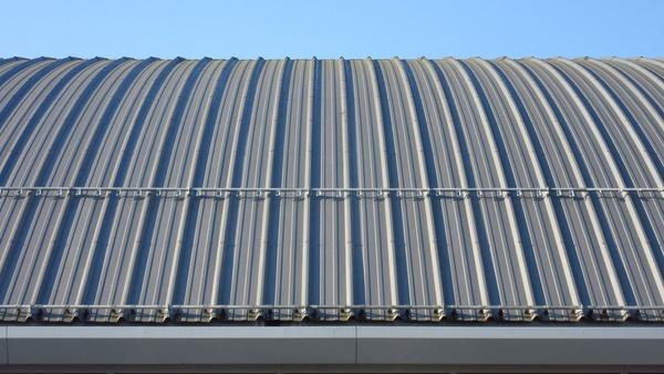 materiales de ocasión como chapas y paneles metálicos en Tarragona