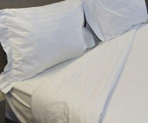 Exposición de camas adaptadas y articuladas