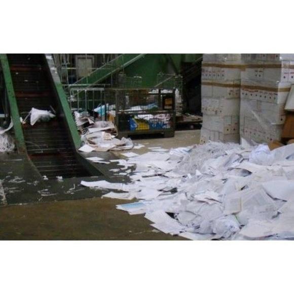 Retirada : Servicios de Reciclajes y Servicios Hernández, C.B.