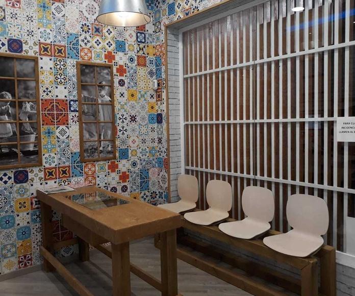 Instalación de equipamiento de lavandería autoservicio. Seco y espuma .Sevilla