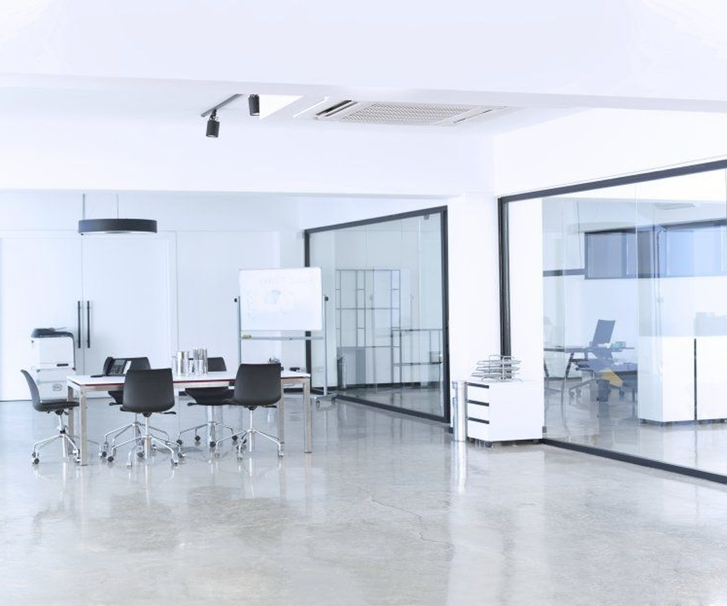 ¿Es aconsejable comprar o alquilar una oficina?