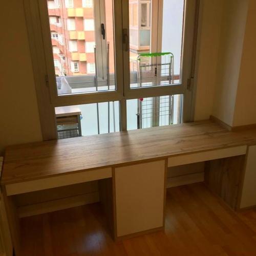 Mesa escritorio personalizada  por Ebanisteria Del Valle