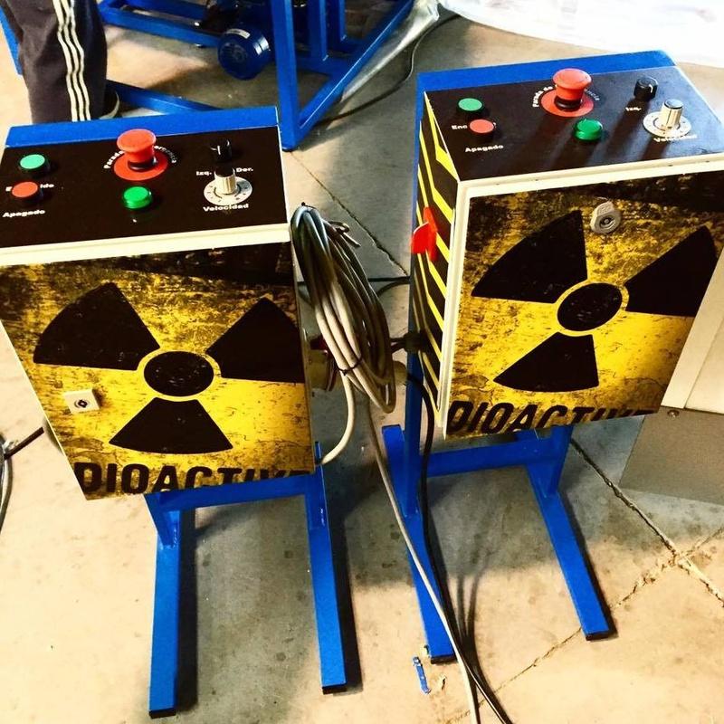 Eliminator central nuclear redes: Catálogo de Hinchables Happy Jump