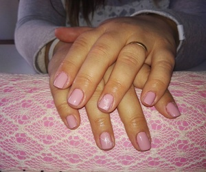Esmalte permanente color rosa nude