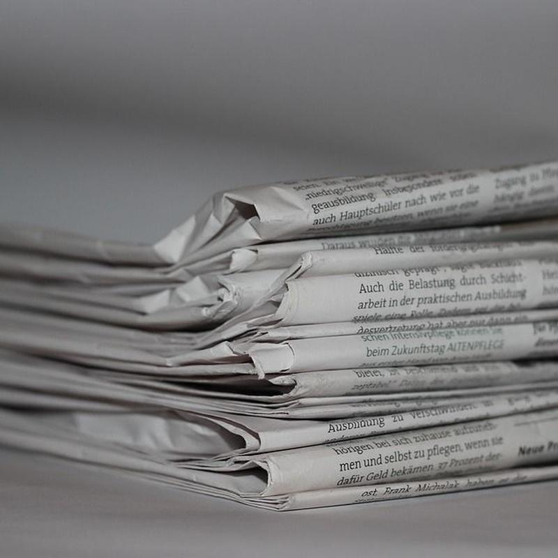 Prensa y revistas: Servicios de Librería José