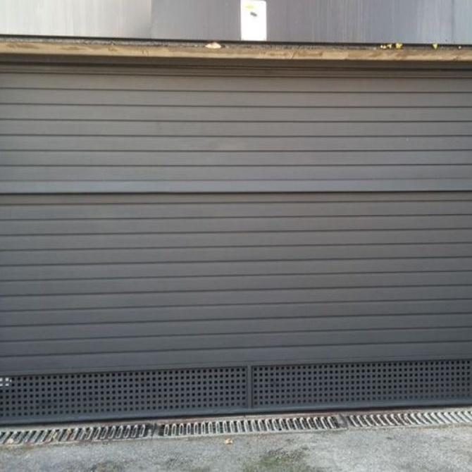 ¿Qué material elijo para la puerta de mi garaje?