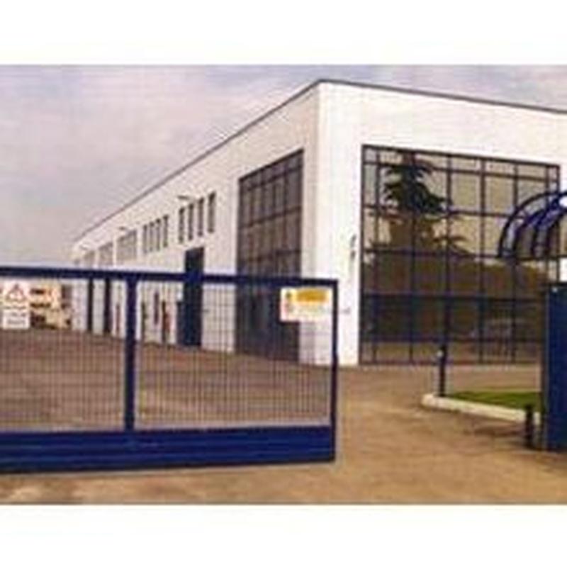 Puertas correderas industriales: Estilos de puertas de MAFA, S.L.