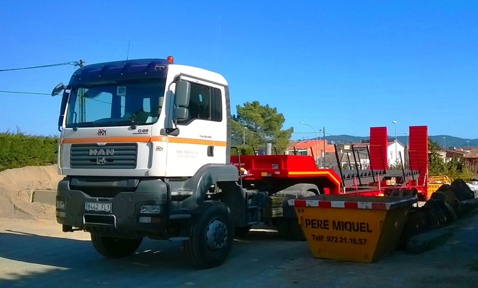 Transportes: Servicios de CONSTRUCCIONS PERE MIQUEL, S.A.