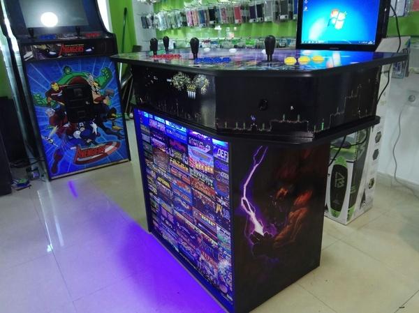 Modelo 4 Jugadores: Maquinas Recreativas de Mundo Arcade Sevilla