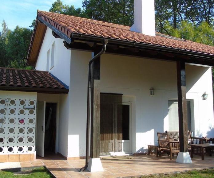 Chalet adosado en Villaverde  de Pontones: Inmobiliaria y Reformas de InmoHappy Santander