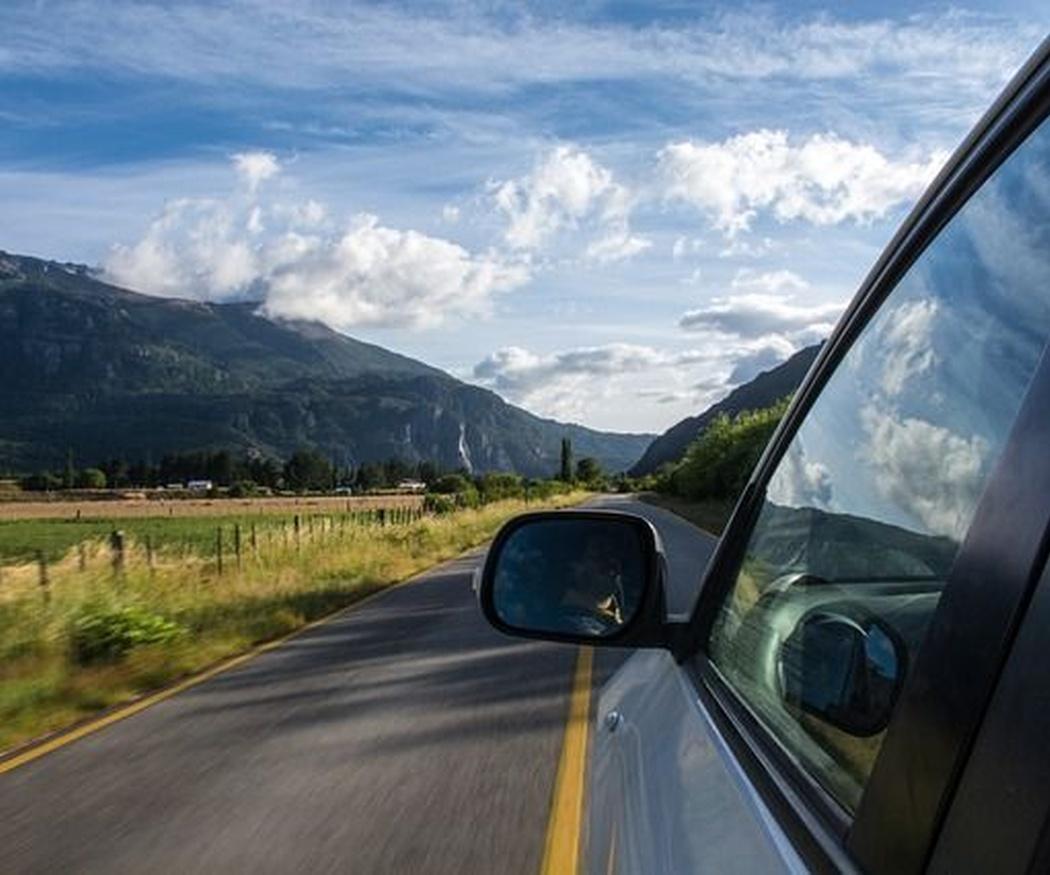 Cinco recomendaciones básicas para un viaje largo en coche