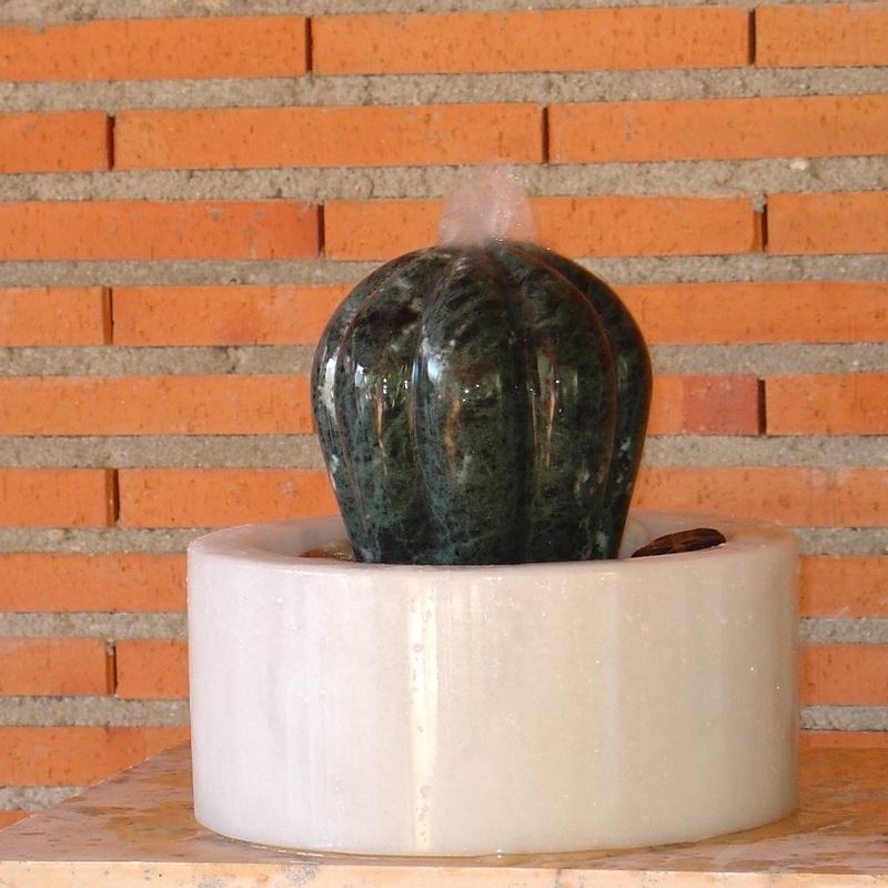 Fuente del cactus: Esculturas de Antonia Dávalos