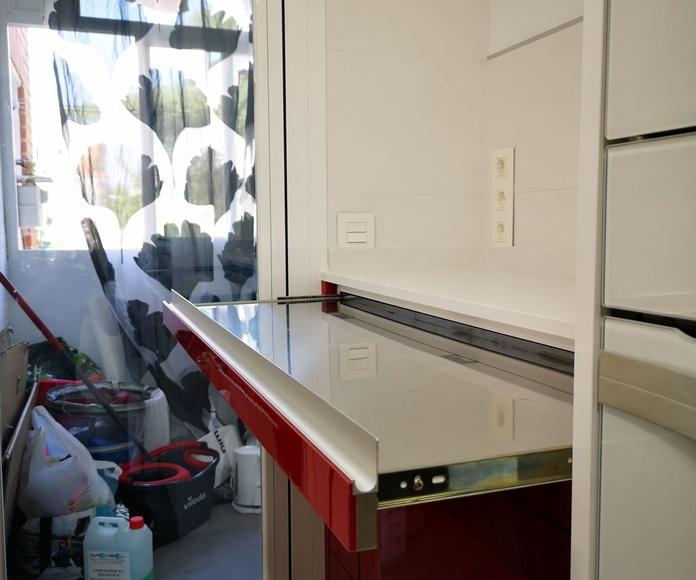 MUEBLES DE COCINA - PROYECTO REALIZADO EN FUENLABRADA: PROYECTOS REALIZADOS de Diseño Cocinas MC