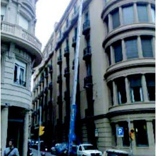 Alquiler de plataformas elevadoras en Sarrià | Kjjk Elevaciones y Mudanzas