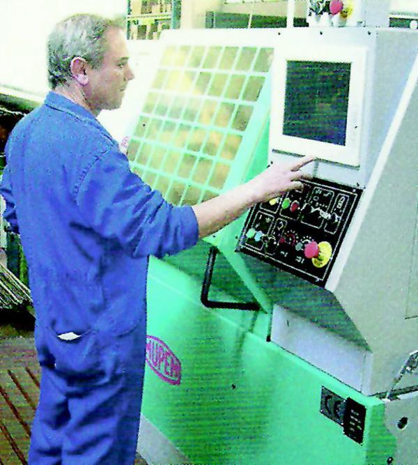 La fábrica de tornillos en Guipúzcoa Mecanizados Bergara cuenta con profesionales expertos