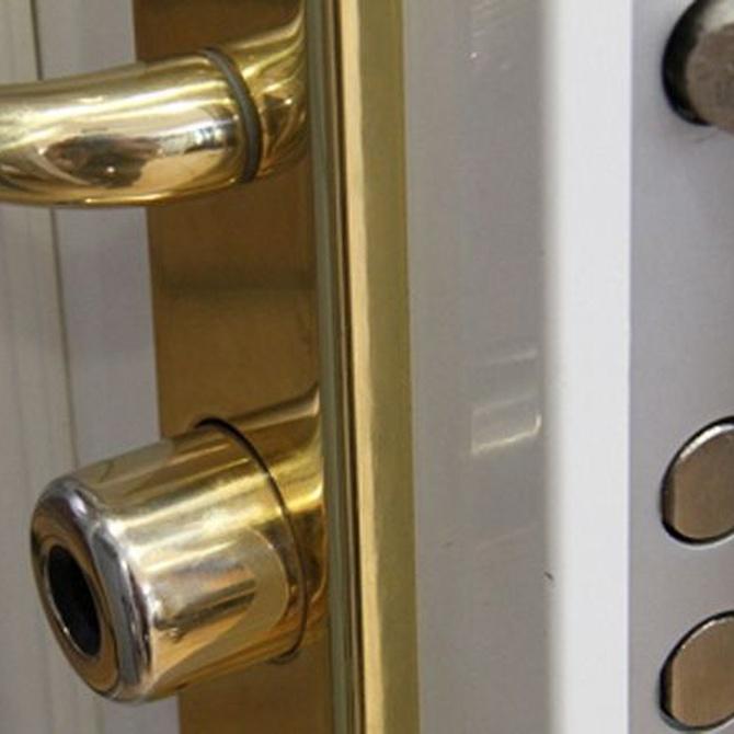 Por qué instalar una puerta acorazada